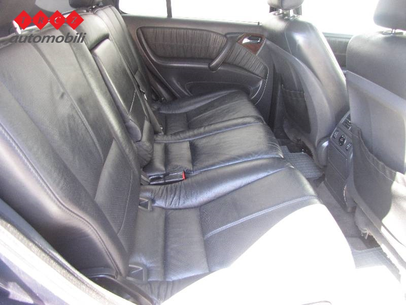 mercedes ml klasa 270 cdi rabljeno vozilo za prodaju suv 2003 g akcijska cijena kn. Black Bedroom Furniture Sets. Home Design Ideas