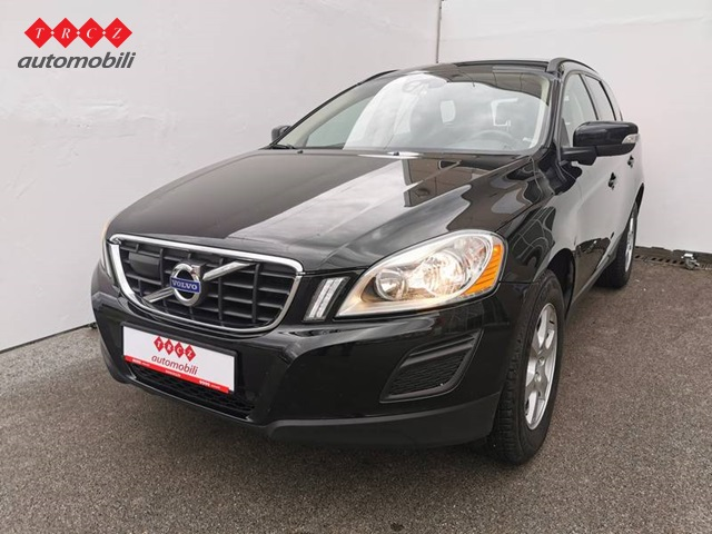 VOLVO XC60 2,4 D3 KINETIC AWD
